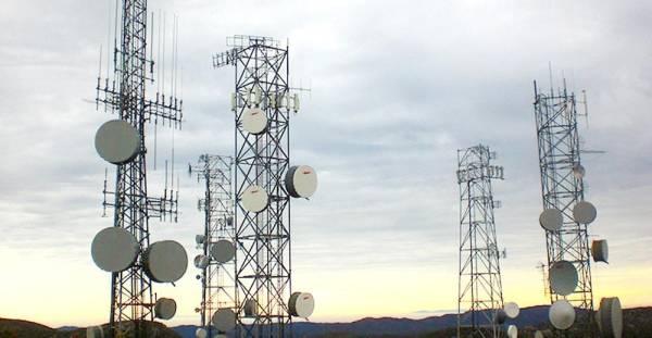 «الاتصالات» تدعم 21 ألف قرية وهجرة بخدمات شاملة