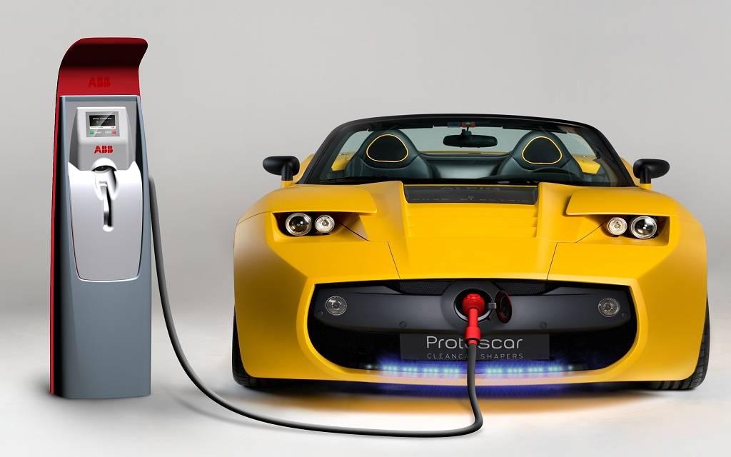 المواصفات والمقاييس السعودية تسمح باستيراد 16 سيارة كهربائية لأفراد