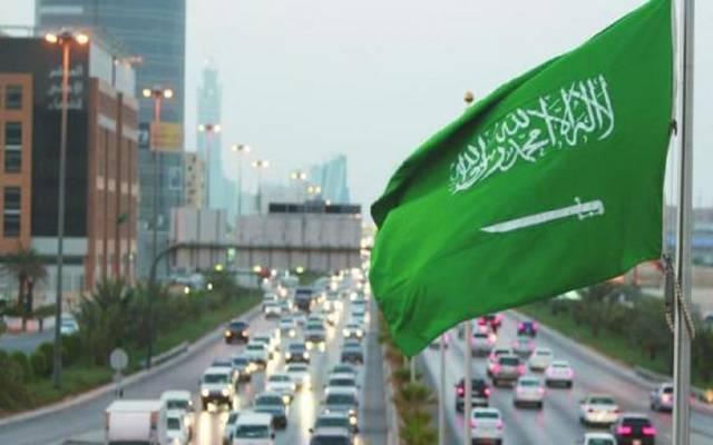 شركة أبحاث: تباطؤ عدد الأجانب المغادرين لسوق العمل بالسعودية
