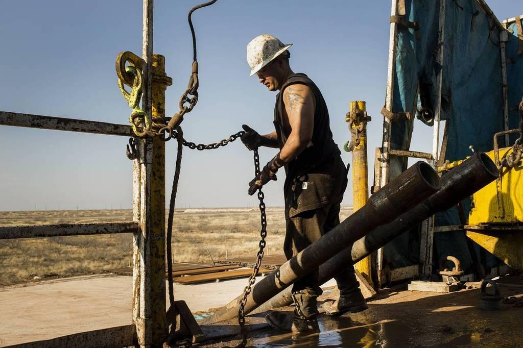 النفط يرتفع وسط تصريحات بعدم إتمام الصفقة الإيرانية قبل 30 يونيو