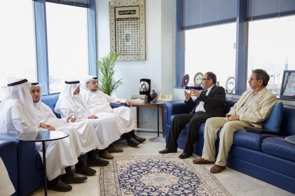 وفد جزائري يستعرض التعاون المشترك مع القطاع الخاص بـ «غرفة جدة»