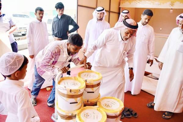 الباحة: 30 طن عسل تحلّي «صيف الباحة»