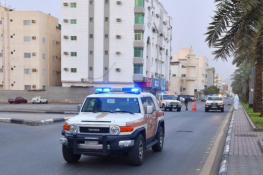الجهات الأمنية بالمدينة المنورة تعزز انتشارها لمتابعة تطبيق أمر منع التجول في الطرق وأماكن التجمعات