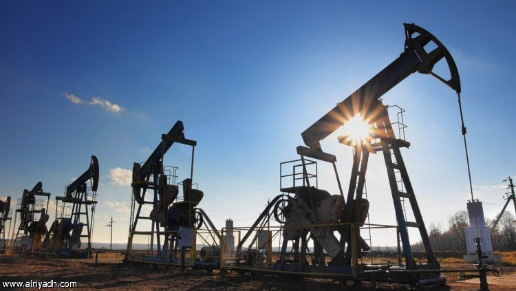 أسعار النفط تهبط أكثر من 1% مع تعافي الإنتاج الأمريكي