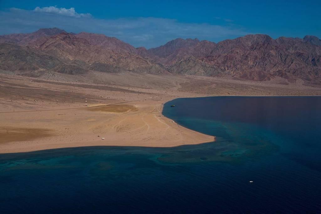 السعودية تعتزم إنشاء 9 محطات تحلية على ساحل البحر الأحمر