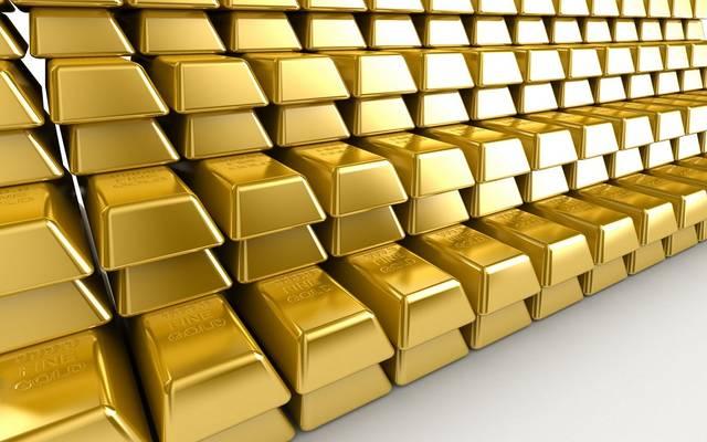 الذهب ينخفض وسط احتمال رفع أسعار الفائدة الإمريكية