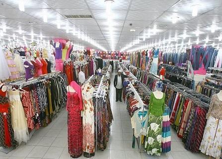 تجار الملابس مهددون بخسارة 4 مليارات ريال