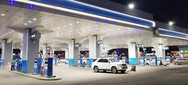 «البنوك»: تركيب 6500 جهاز نقاط بيع بمحطات الوقود