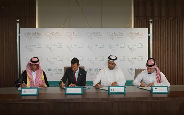 اتفاقيات لتوفير فرص عمل بمشروع البحر الأحمر السعودي